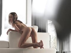 Красивая мастурбация от россиянки Фокси Ди