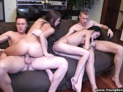 Групповой секс русских студентов на квартире