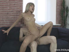 Джина Джерсон горячо скачет на хую у порно агента