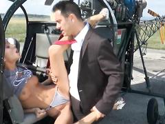 Gina Gerson трахается в вертолете