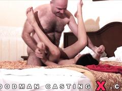 Вудман трахает на кастинге застенчивую девушку Юлию Усову